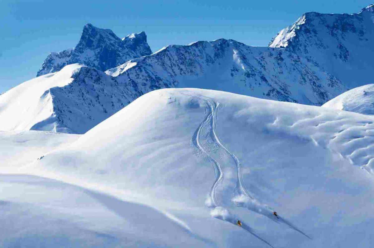 winter-activities_05-1200x797.jpg
